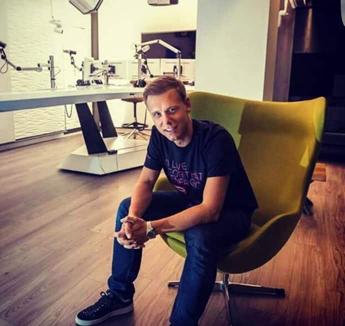 Cavel Design Egg Chair Bij Armin van Buuren
