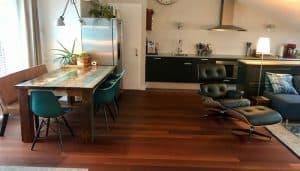 Eames Replica