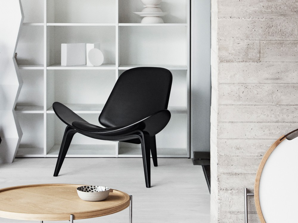 wegner full black shell chair